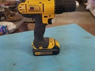 12  CORDlESS DRIll DRIVER W  20 VT  CHARGER
