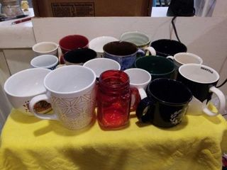 BOX OF MISCEllANOUS CUPS