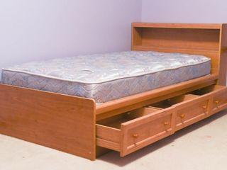 TWIN SIZE BED FRAME   MATTRESS