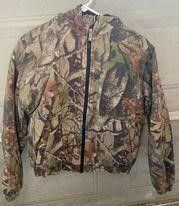 lODGE OUTFITTERS YOUTH lARGE CAMO JACKET