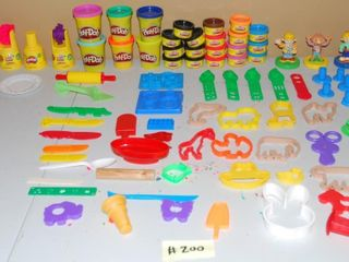 GROUP OF MISC  PlAY DOH