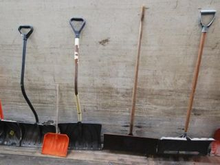 GROUP OF SNOW SHOVElS