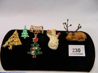 Christmas Jewelry  Pins  1 Pendant