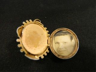 Cameo locket  Cameo Type Cover