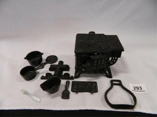 Queen Miniature Cast Iron Stove