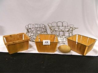 Primitive Egg Baskets   2  Metal