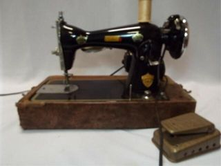 Deluxe Sewing Machine in Case