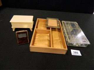 Seiko Quartz Travel Alarm  Boxes