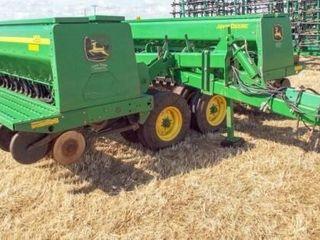 JD 455 35  Drill DD w  dry fertilizer boxes