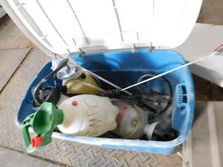 Plastic Container w Pump up Sprayer