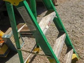 Werner 4ft  Fiberglass step ladder