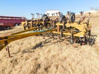 landoll 28ft  mod  810  field cultivator