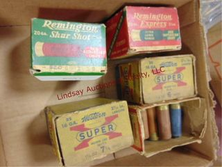 Flat of mixed vintage shotgun shells  5 boxes