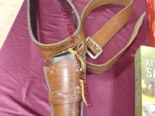 Right hand draw leather holster