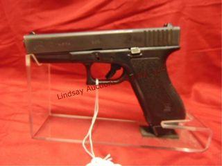Glock  1 17rd   2 mag