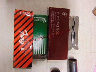 4 knives  Victorinox  Fury  Value line