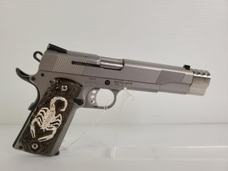 Smith   Wesson SW1911  45 Auto Pistol