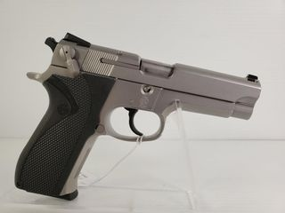 Smith   Wesson 5906 9mm Pistol