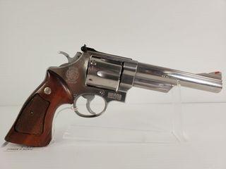 Smith   Wesson 629 1 44 Mag Revolver