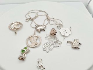 SIlVER MUlTI PENDANT AND CHAIN 18  SET  WEIGHT
