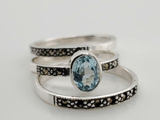 SIlVER MARCASITE AND BlUE TOPAZ RING  SIZE