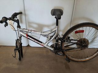 SUPERCYClE THRIll SIlVER MOUNTAIN BIKE  NO FRONT