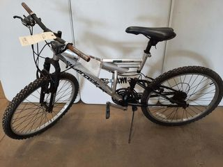 SUPERCYClE VICE SIlVER MOUNTAIN BIKE