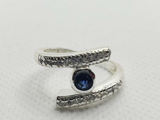 SIlVER CREATED SAPPHIRE RING  SIZE 7   WEIGHT