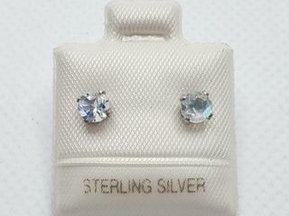 SIlVER MOONSTONE 0 5CT  EARRINGS  MADE IN CANADA