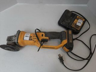 DEWAlT 4 1 2  GRINDER  WITH BATTERY AND CHARGER