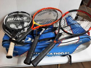 BAG WITH  4  TENNIS RAQUETS