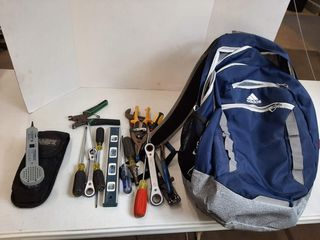 BACKPACK WITH ASSORTED TOOlS   SCREWDRIVERS