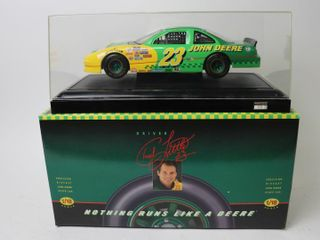 JOHNE DEERE STOCK CAR 1 18 ERTl