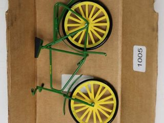JOHN DEERE BICYClE 6