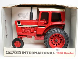 INTERNATIONAl 1566 TRACTOR SPECIAl EDITION 1991