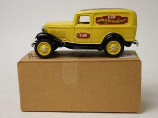 HOME HARDWARE 1932 FORD DElIVERY VAN BANK 7