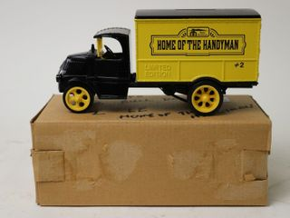 HOME HARDWARE 1926 BUllDOG TRUCK BANK