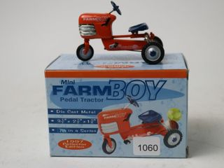 MINI FARM BOY PEDAl TRACTOR