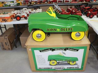 JOHN DEERE lIMITED SEDAN EDITION PEDAl CAR 33