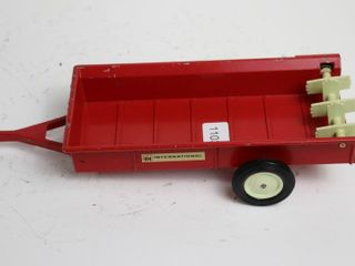 INTERNATIONAl MANURE SPREADER ERTl 1 16