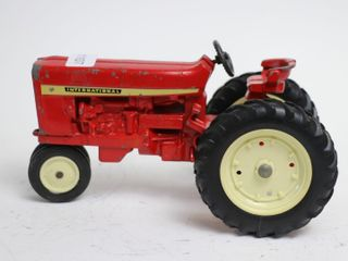 INTERNATIONAl NARROW FRONT TRACTOR ERTl 1 16