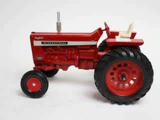 INTERNATIONAl 1026 HYDRO TRACTOR ERTl 1 16