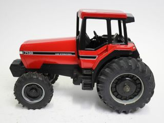 CASE INTERNATIONAl 7130 TRACTOR ERTl 1 16