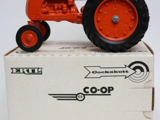 CO OP TRACTOR 1988 FARM TOY MUSEUM ERTl 1 16