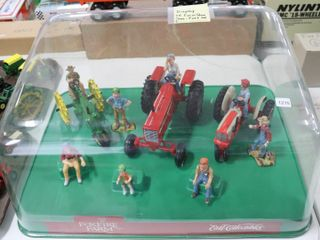 FOXFIRE FARM DISPlAY CASE WITH TRACTORS AND