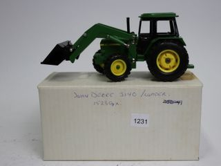 JOHN DEERE 3140 TRACTOR WITH lOADER ERTl 1 32