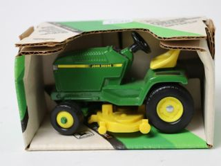 JOHN DEERE lAND AND GARDEN TRACTOR 1 16