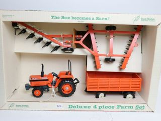KUBOTA 4 PIECE FARM SET SCAlE MODElS 1 16