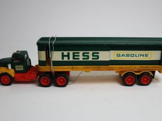 HESS PlASTIC FUEl OIlS TRUCK AND TRAIlER 14