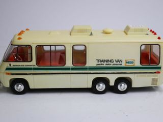 HESS PlASTIC TRAINING VAN 11